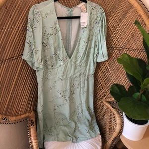 NWT H&M vneck fit and flare dress